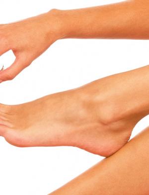 Ухаживающий крем для ног с глицерином и мочевиной 10% Бельведер